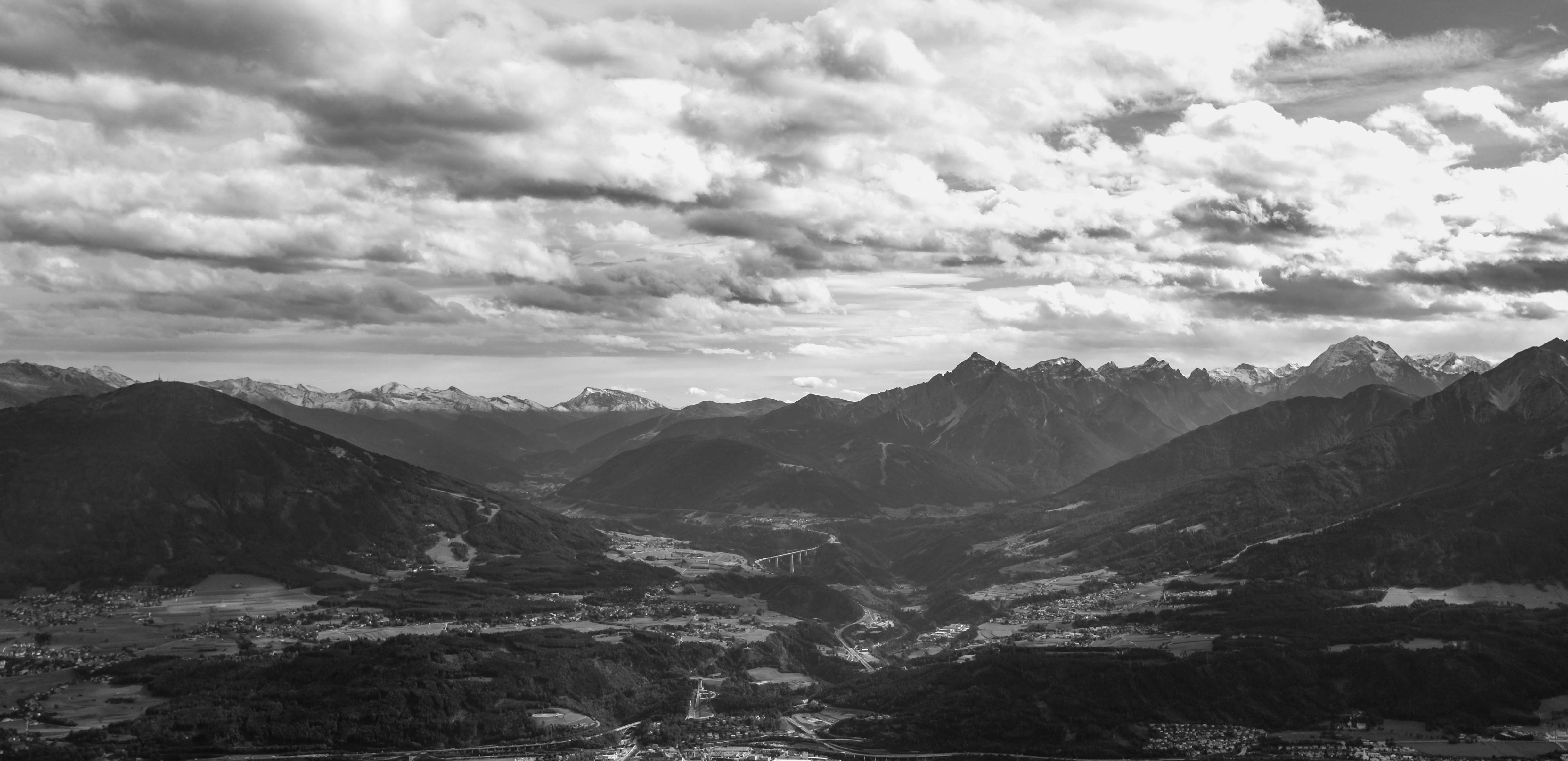 Valley to Italy BW